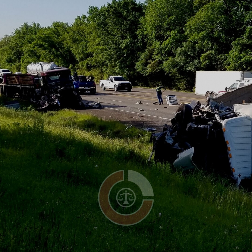18-Wheeler Accident Lawyer Cleburne, Texas